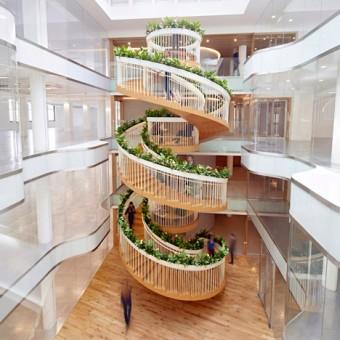 Ampersand-Living-Staircase-Paul-Cocksedge_dezeen_468_sqa-e1433432436596