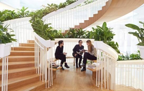 Ampersand-Living-Staircase-Paul-Cocksedge_dezeen_784_3-e1433432501497